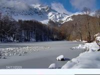 Λίμνη στις Αρρένες χιονισμένη